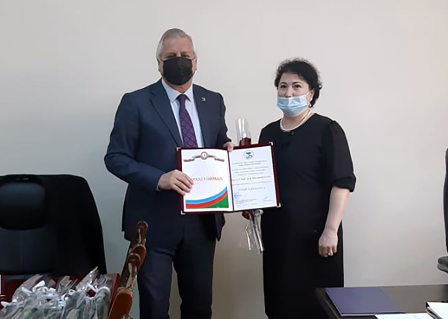 An employee of the National Museum of History of Azerbaijan, ANAS, was awarded an honorary diploma.